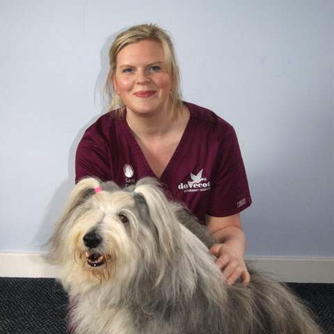 Samantha Earwaker, Dovecote Veterinary Hospital